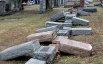 Muslim Americans raise thousands for vandalised Jewish cemetery in Missouri