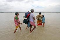 West Bengal: 48 killed in floods in Bengal, Mamata calls in army