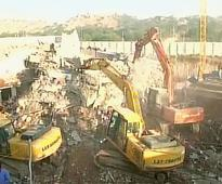 Two killed in Hyderabad building c..