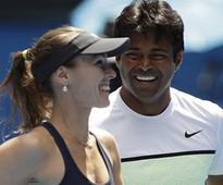 Australian Open: Paes-Hingis enter final, Sania-Soares ousted