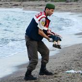 Refugee crisis: French PM Manuel Valls asks for urgent action after images of dead Syrian toddler haunt social media