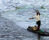 5 Indian fishermen given death sentence by Lankan court; India reacts
