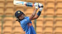 Rediff Cricket - Indian cricket - Impressive Women's Big Bash debut by Harmanpreet Kaur