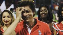Current Bollywood News & Movies - Indian Movie Reviews, Hindi Music & Gossip - Shah Rukh Khan dances with cheerleaders after his team Trinbago Knight Riders loses....