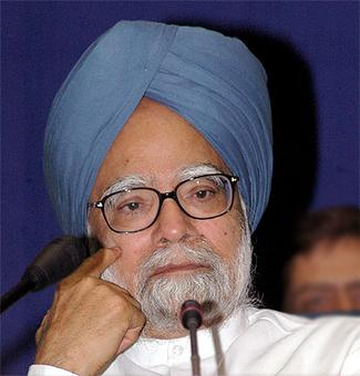 'Corrupt judge' row: Govt demands Manmohan's statement