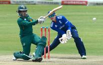 Lee fires SA to victory in Taylor's 100th ODI