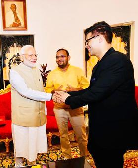 Current Bollywood News & Movies - Indian Movie Reviews, Hindi Music & Gossip - Karan Johar, Akshay Kumar, Ajay Devgn, Mahaveer Jain and others meet PM Narendra Modi to discuss issues concerning the industry