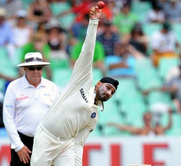 ICC lauds Harbhajan for 'adapting action and bowling legally'