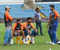 Rediff Cricket - Indian cricket - Bhuvi likely to return for Leeds decider?