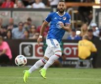 Rediff Sports - Cricket, Indian hockey, Tennis, Football, Chess, Golf - Clint Dempsey diagnosed with irregular heartbeat; set to miss World Cup qualifiers