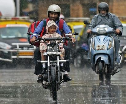 Train, road traffic hit as heavy rains lash Mumbai