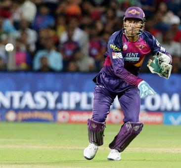 Rediff Cricket - Indian cricket - IPL: Time is running out for Dhoni's Supergiants
