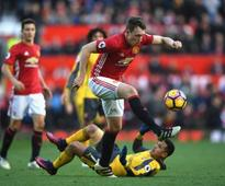 Rediff Sports - Cricket, Indian hockey, Tennis, Football, Chess, Golf - Manchester United defender Phil Jones left 'gutted' after Everton draw; says dropping points has to stop