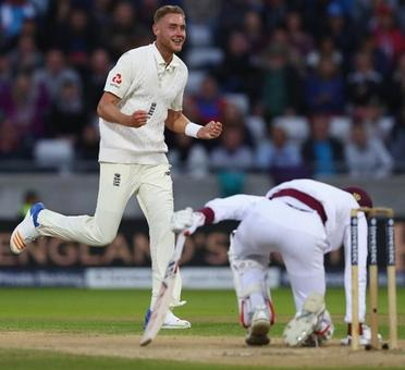Rediff Sports - Cricket, Indian hockey, Tennis, Football, Chess, Golf - Day-night Test: England rout Windies in just three days