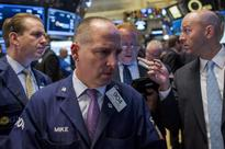 Wall St. falls ahead of Fed minutes; Apple weighs