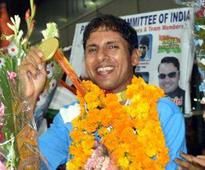 Rediff Sports - Cricket, Indian hockey, Tennis, Football, Chess, Golf - Younus returns with century as Pakistan dominate West Indies
