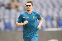 Dale Steyn looks doubtful for fourth Test, De Lange has extended session