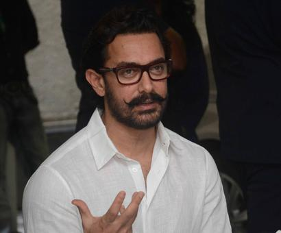 Current Bollywood News & Movies - Indian Movie Reviews, Hindi Music & Gossip - Aamir Khan urges countrymen to help Bihar flood victims