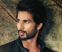 Current Bollywood News & Movies - Indian Movie Reviews, Hindi Music & Gossip - On Diwali, Shahid announces his next!