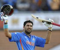 Rediff Sports - Cricket, Indian hockey, Tennis, Football, Chess, Golf - Guess Which Actor Yuvraj Singh Wants To Star In His Biopic? None Other Than The Khiladi Himself - Akshay Kumar