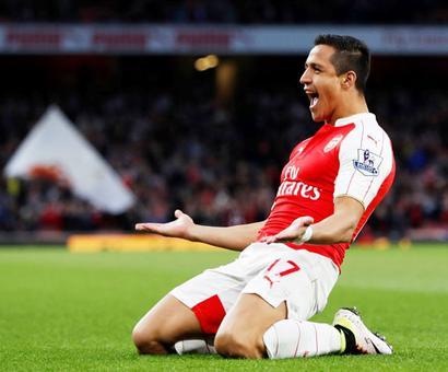 Rediff Sports - Cricket, Indian hockey, Tennis, Football, Chess, Golf - Football rumours: Arsenal star Sanchez heading to Manchester?