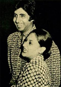 Current Bollywood News & Movies - Indian Movie Reviews, Hindi Music & Gossip - Amitabh, Jaya Bachchan celebrate 42 years of marriage