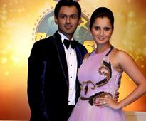 Sania Mirza Watches Pakistan Clinch Thriller in Colombo T20