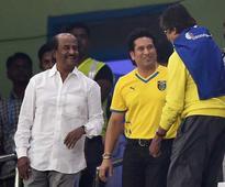 Amitabh Bachchan, Rajinikanth Combine Forces, Lead Cheer for Chennaiyin F.C.
