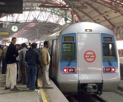 Delhi plans major push for public transport to reduce pollution