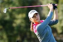 Teen Lydia Ko takes historic top ranking