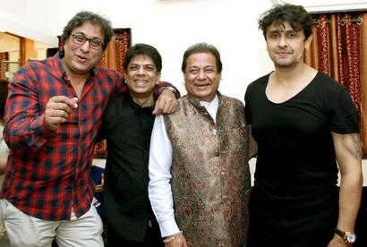 Current Bollywood News & Movies - Indian Movie Reviews, Hindi Music & Gossip - Sonu Nigam and Hariharan come together for a fund raiser