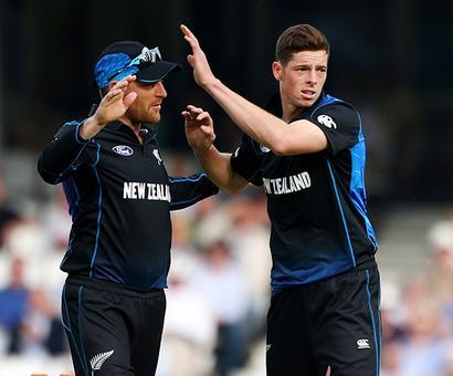Santner, Elliott earn New Zealand central contracts