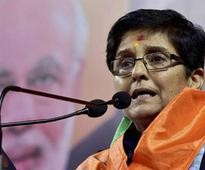 Delhi Polls: I cannot speak like this says Bedi, as crowd cheers for Modi