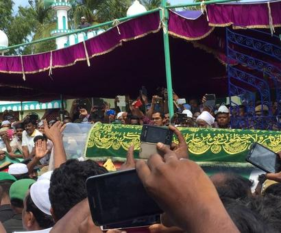 'Allah hu Akbar, Dr Kalam ki Jai' chants ring loud at Kalam's funeral
