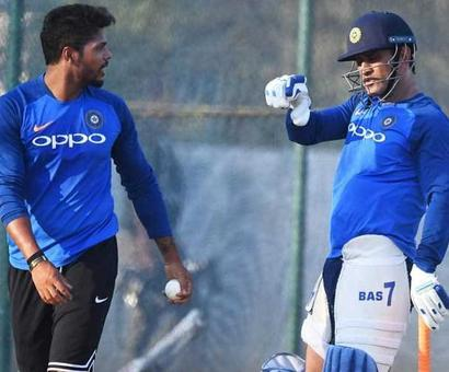 Rediff Sports - Cricket, Indian hockey, Tennis, Football, Chess, Golf - Watch: Dhoni Sweats It Out In The Nets Ahead Of T20I Series vs Australia
