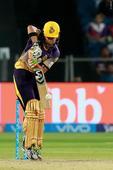 Rediff Cricket - Indian cricket - Video: Gambhir, Manoj Tiwary's onfield spat during IPL game