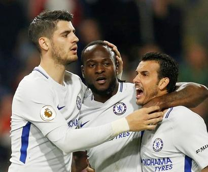 Rediff Sports - Cricket, Indian hockey, Tennis, Football, Chess, Golf - EPL: Chelsea keep slim hopes of final Champions League slot alive