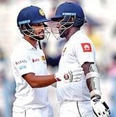 Sri Lanka towards 1st innings lead