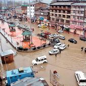 Horrors of floods return to haunt Kashmiris