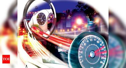 Kolkata: One killed, another hurt in two accidents