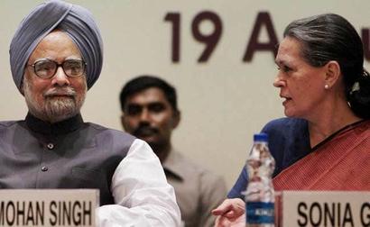 What Manmohan Singh, AK Antony Said After Sonia Gandhi's Announcement