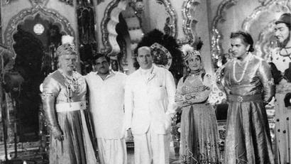 Rishi Kapoor shares rare photo of Italian filmmaker Roberto Rossellini on sets of...