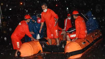 290 passengers rescued from two stranded trains in Mumbai