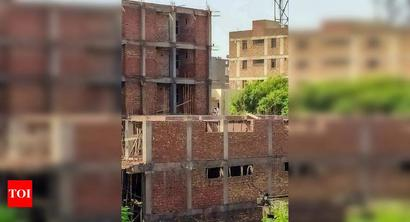 Check illegal construction in Chakkarpur, say DLF- 1 residents