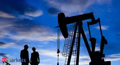 Crude oil futures rise on spot demand