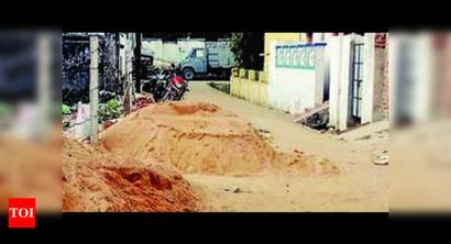 Construction materials on Balangir roads lead to accidents