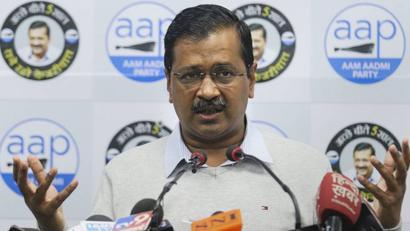 Coronavirus pandemic | Arvind Kejriwal, Manish Sisodia, Delhi Police chief meet LG Anil Baijal