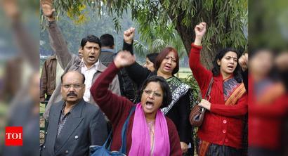 AMU teachers take umbrage at CM's statement against varsity students