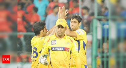 This IPL can't be selection criteria for MS Dhoni: Ashish Nehra