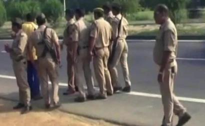 Punjab Cops Summon Raveena Tandon For 'Hurting' Religious Feelings
